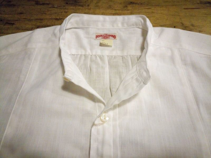 ホワイトシャンブレーシャツ